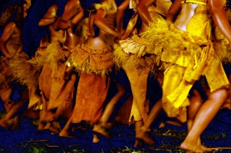 Soiree de danse a Taipivai, ici l'ile de Fatu Hiva en representation. Le Festival des Arts Marquisiens a eu lieu a Nuku Hiva du 15 au 19 decembre 2011. Plus de 3000 personnes etaient presentes sur l'ile pour assister a des demonstrations de danse, de chant et d'artisanat. Le Festival a lieu tous les quatre ans et reunit toutes les populations du pacifique. The Marquiseans Arts Festival occured on Nuku Hiva from december 15th to 19th 2011. More than 3000 people were there to watch demonstrations of dance, singing and artworks. This Festival happens every 4 years and gathers all the populations from the Pacific area. Taipivai, MARQUISES FRENCH POLYNESIA - 16/12/2011